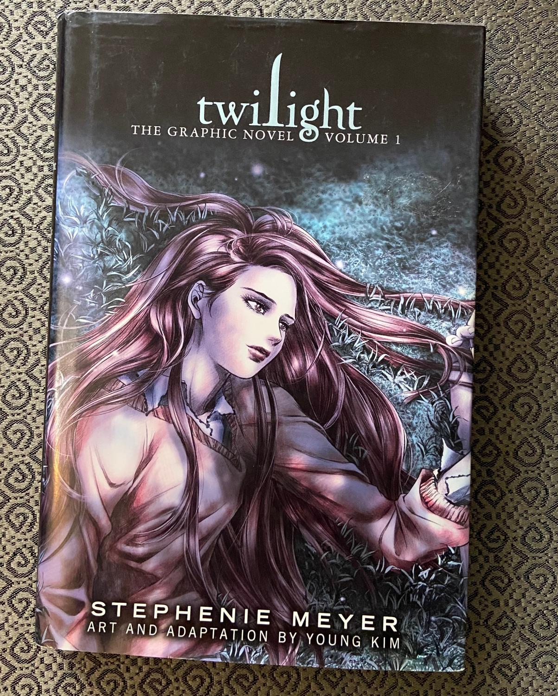 Twilight The Graphic Novel Volume 1 The Twilight Saga By Stephenie Meyer As New Hardcover 2010 1st Edition Ckr Inc