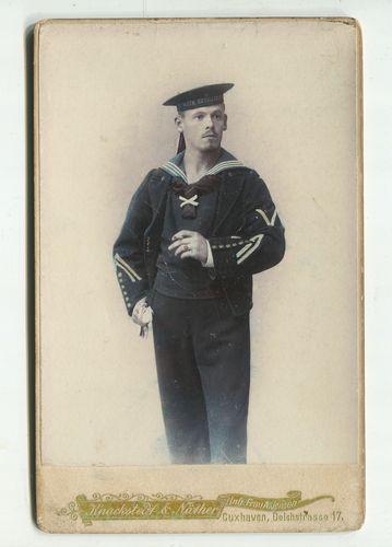 Kabinettfoto: Matrose IV. Artillerie - Cuxhaven.: Kaiserliche Marine: