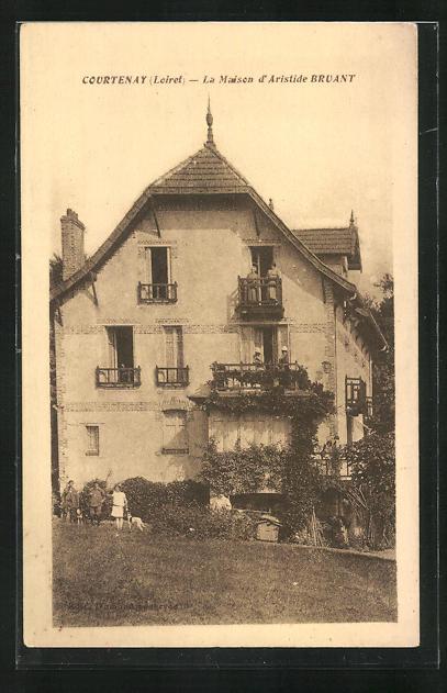 Carte postale Courtenay, La Maison d`Aristide Bruant