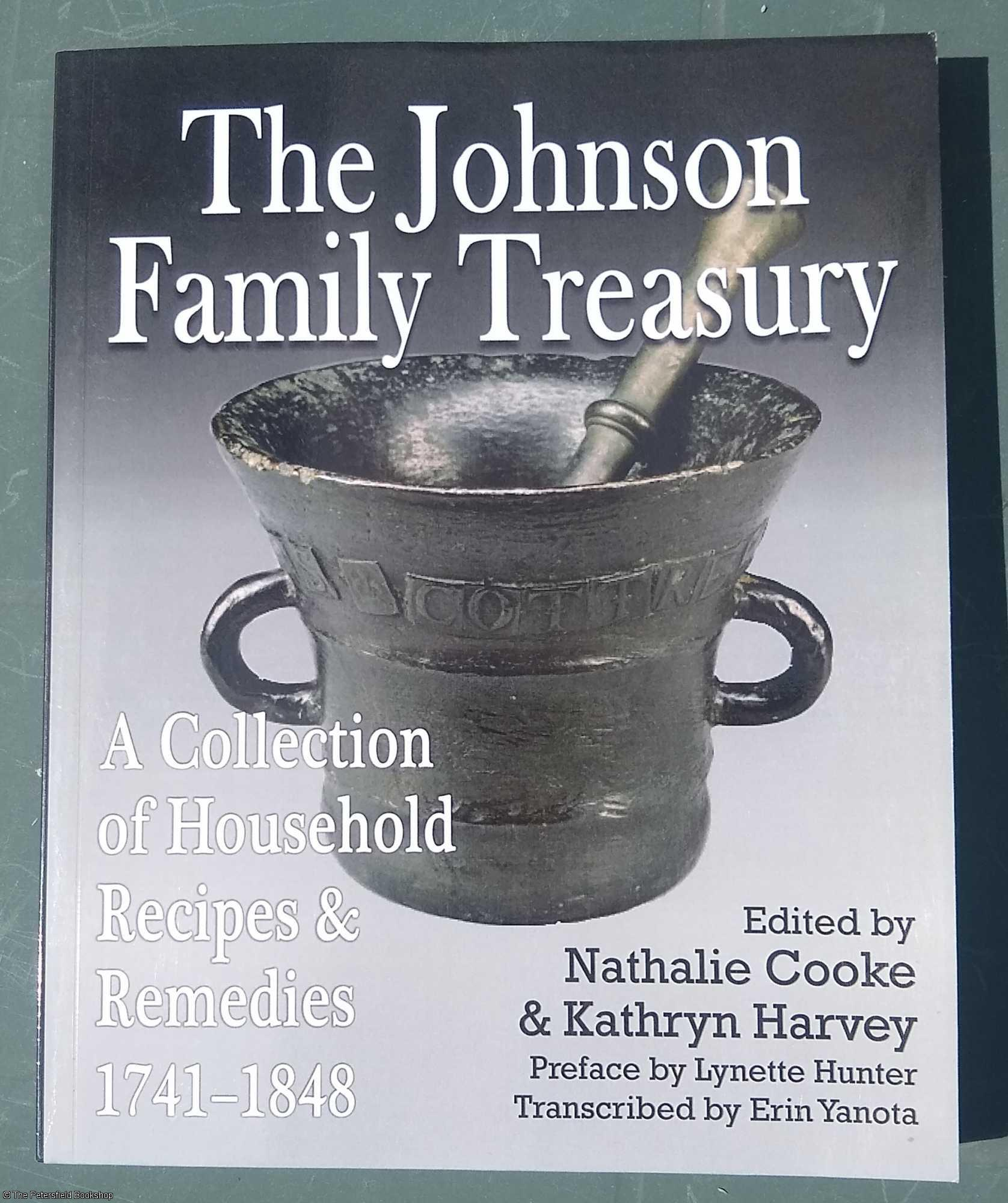 The Johnson Family Treasury: A Collection of: Cooke (Nathalie) &