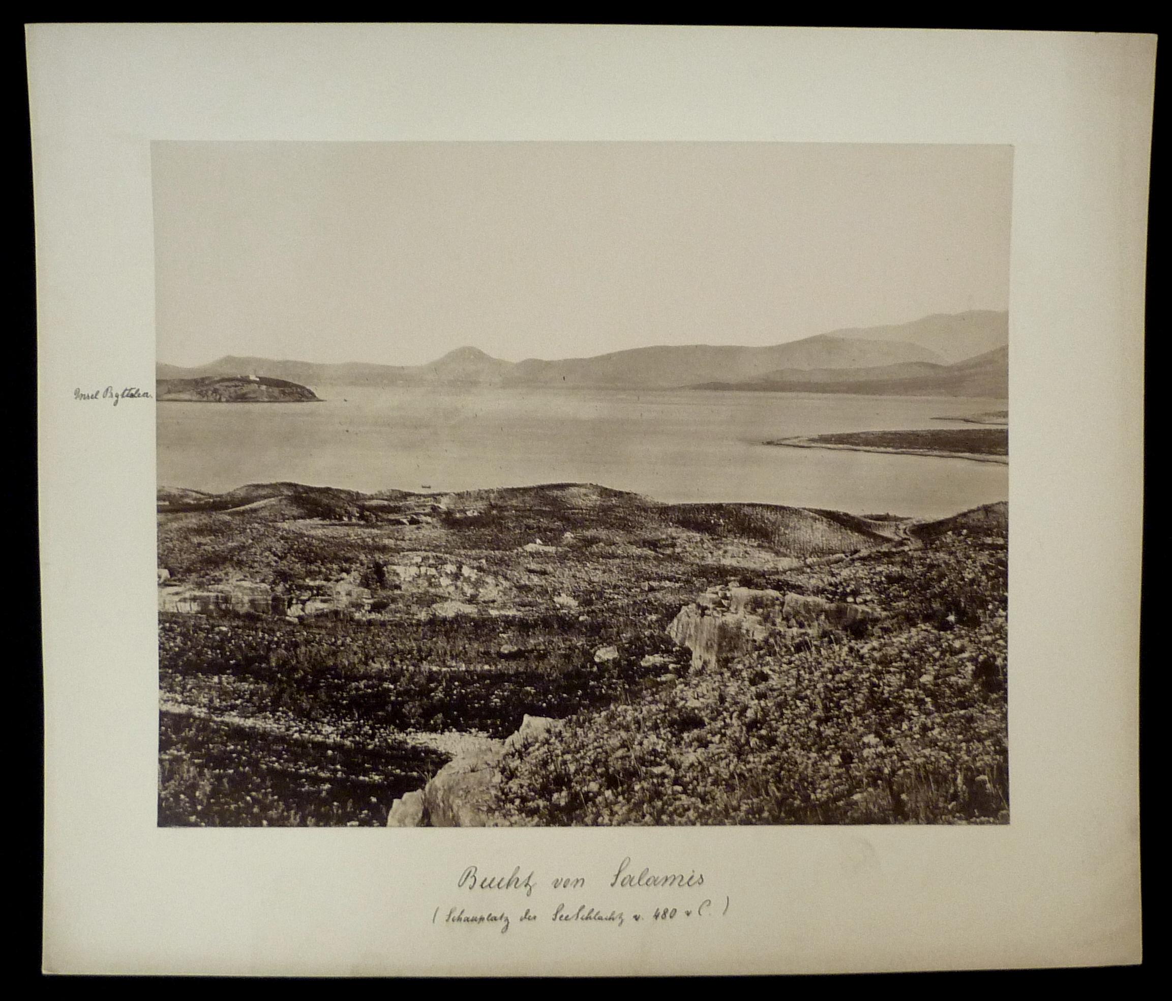 Hs. beschriftet: Bucht von Salamis (Schauplatz der: Originalfotografien - Griechenland.