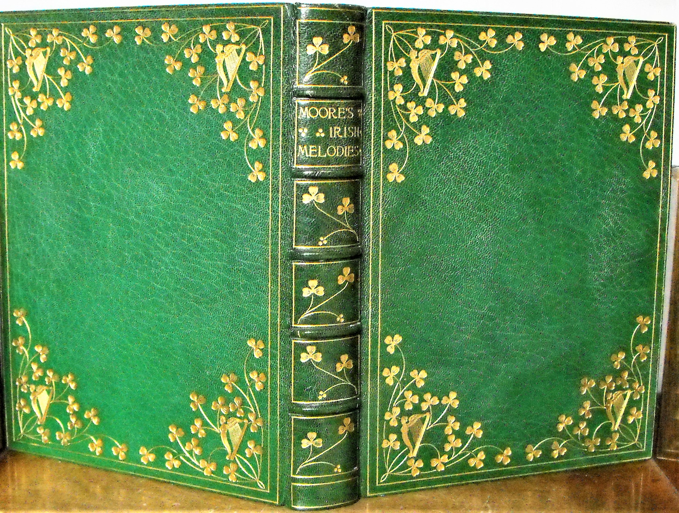 Moore's Irish Melodies. Illustrated by D. Maclise,: MOORE Thomas)