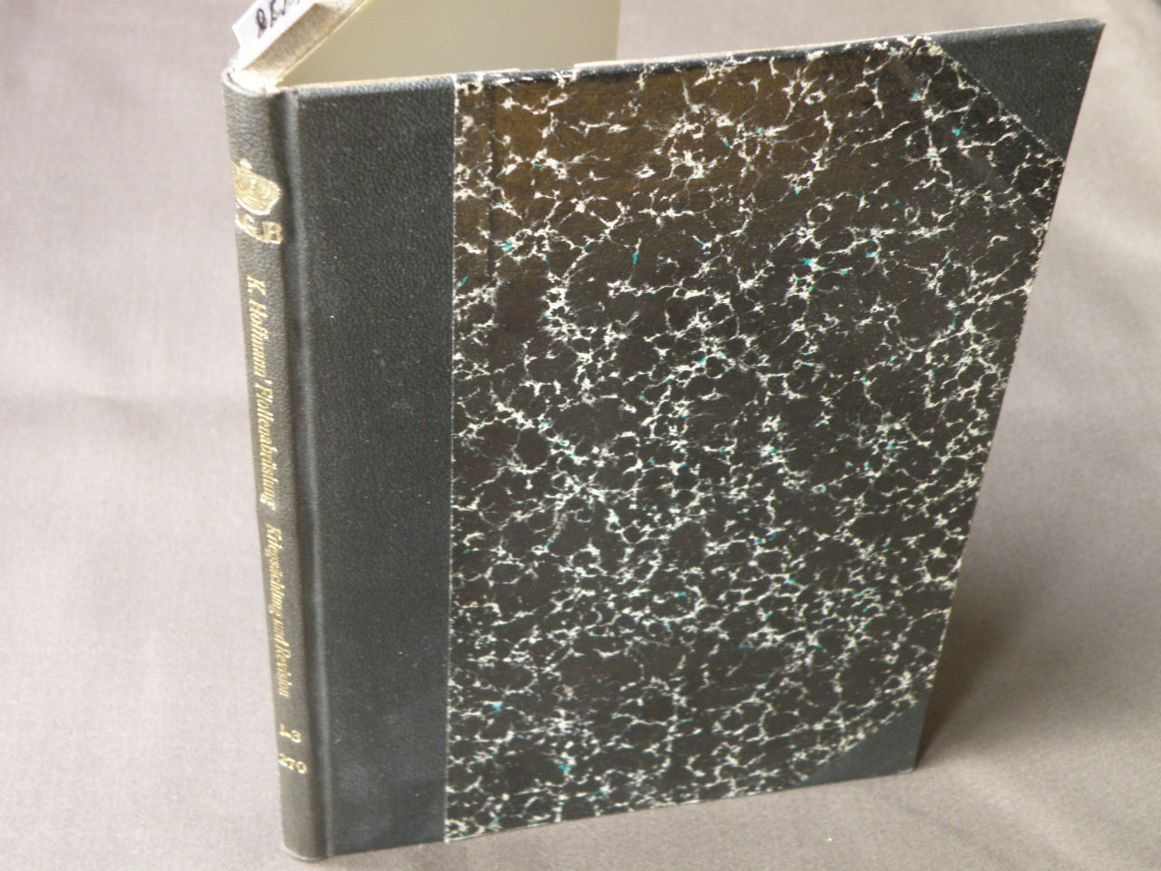 Flottenabrüstung, Kriegsächtung und Revision. 2 Teile in: Hoffmann, Karl