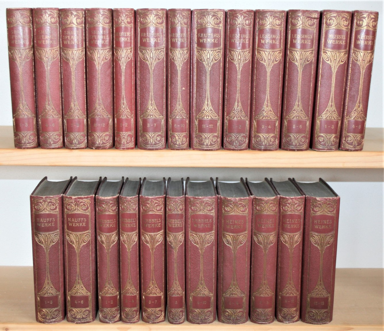 24 Bände: Shakespeares (1-12), Reuters (1-12), Lessings: Shakespeare, William, Fritz