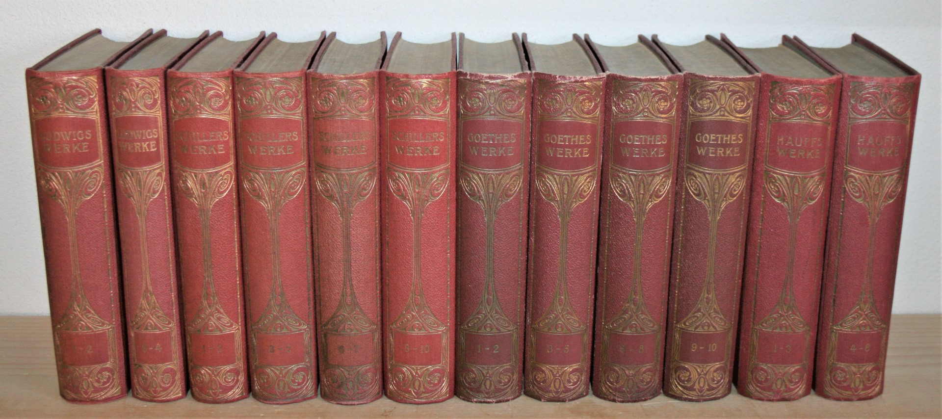 12 Bände: Hauff (1-6 in 2 Büchern),: Schiller, Friedrich von,