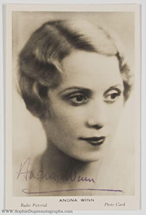 Fine Signed Portrait Postcard Photo, (Anona, 1904-1994, Australian Singer & Broadcaster)