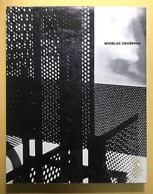 Nicolas Schöffer. Einführung von Jean Cassou. Mit Beiträgen von Guy Habasque und Jacques Ménétrier....