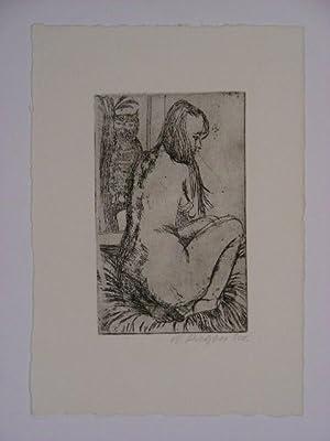 Akt einer leicht abgewandt sitzenden jungen Frau, links im Hintergrund eine Eule.: ...