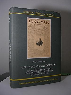 EN LA MESA CON DARWIN. Evolución y: GIRON SIERRA, Alvaro
