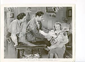 BUTCH MINDS THE BABY-8X10-STILL-BRODERICK CRAWFORD-VIRGINIA BRUCE-1942 G/VG