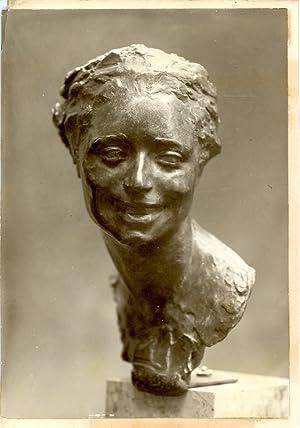 Sculpture bronze, Tête de femme: Photographie originale /