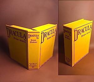 DRACULA [Collector's Custom Clamshell case only -: Stoker, Bram