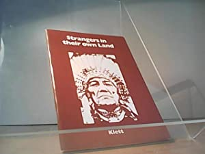 Seller image for Strangers in their own Land The North-American Indian in the modern short story for sale by Eichhorn GmbH