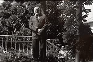 Original-Photographie.: Hemingway, Ernest (1899-1961,