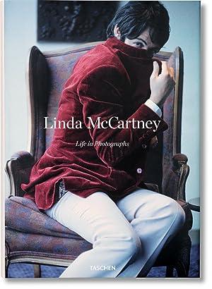 Linda McCartney. Life in Photographs: Castle, Alison