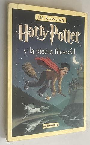 Imagen del vendedor de Harry Potter y la Piedra Filosofal / Harry Potter and the Sorcerer's Stone (Spanish) Paperback a la venta por Once Upon A Time