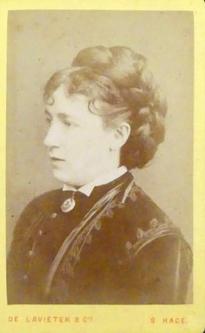 Carte-de-visite Fotografie] Portret van onbekende vrouw, mogelijk: Lavieter, De: