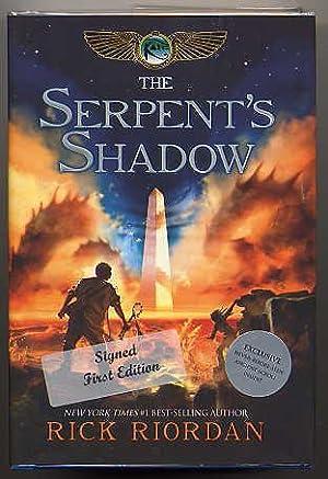 THE SERPENT'S SHADOW. BOOK THREE OF THE HEROES OF OLYMPUS.: Riordan, Rick.