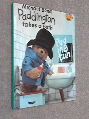 9780001233355: Paddington Takes a Bath (Colour Cubs)