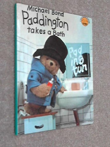 9780001233355: Paddington Takes a Bath (Colour Cubs)