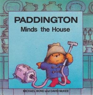 9780001821958: Paddington Minds the House (Paddington first books)