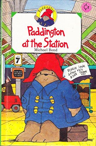 9780001926233: Paddington at the Station (Paddington mini-hardbacks)