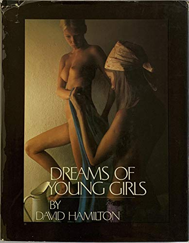 9780002111669: Dreams of Young Girls: A Photographic Album