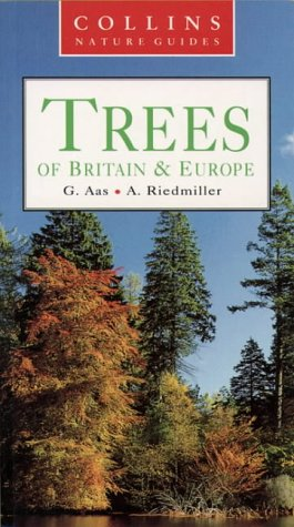9780002199933: Trees of Britain & Europe (Collins Nature Guides)