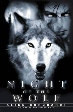 9780002247160: Night of the Wolf (A Paranormal Romance)