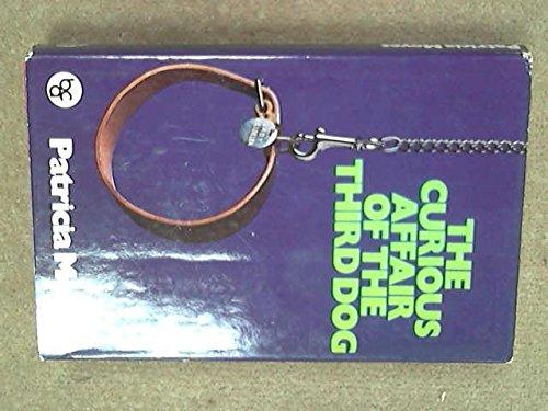 9780002311373: Curious Affair of the Third Dog