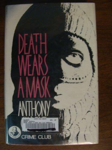 9780002311717: Death Wears a Mask