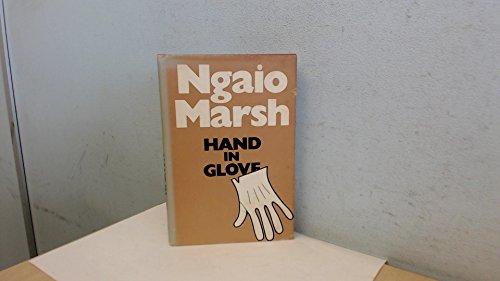 9780002313254: Hand in Glove