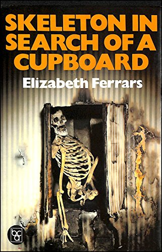 9780002319256: Skeleton in Search of a Cupboard (The diamond jubilee collection)