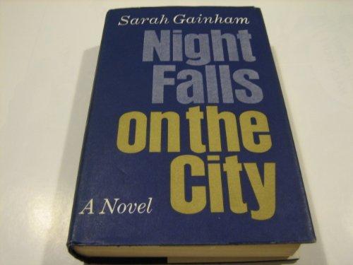 9780002435567: Night Falls on the City