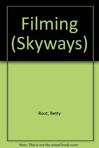 9780003135411: Filming (Skyways)