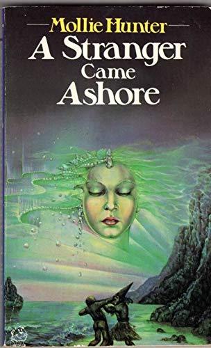 9780006722601: A Stranger Came Ashore (Lions)