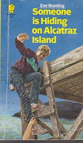 9780006725480: Someone is Hiding on Alcatraz Island