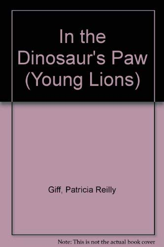 9780006726197: In the Dinosaur's Paw (Young Lions)