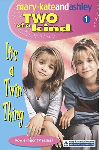 9780007144808: It's A Twin Thing (Two Of A Kind, Book 1) (Two of a Kind Diaries)