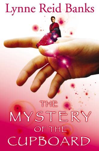 9780007149018: The Mystery of the Cupboard