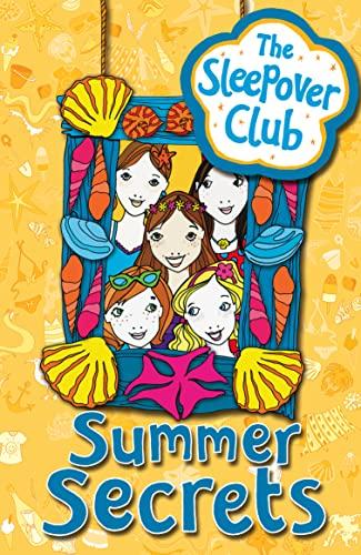 9780007309931: Summer Secrets (The Sleepover Club)
