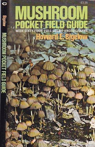 9780020622000: Mushroom Pocket Field Guide
