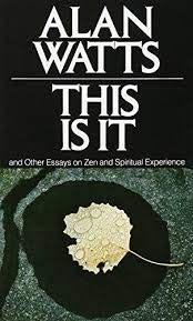 9780020968702: This is IT, and Other Essays on Zen and Spiritual Experience