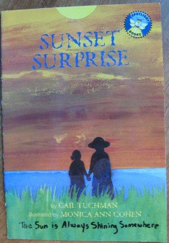 9780021822850: Sunset surprise (Spotlight books)