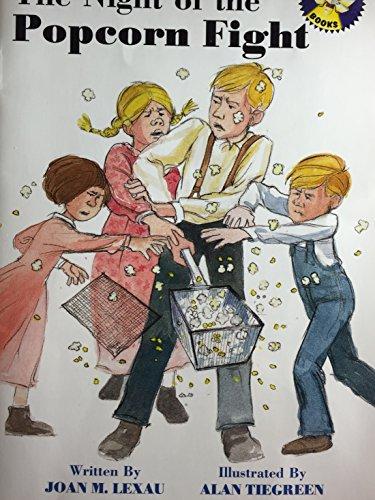 9780021823024: The night of the popcorn fight (Spotlight books)