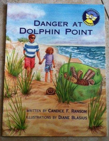 9780021823079: Danger at Dolphin Point (Spotlight books)