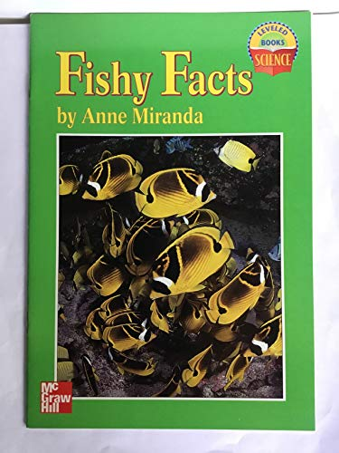 9780022784911: FISHY FACTS