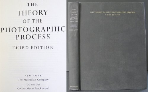 9780023800405: Theory of the Photographic Process