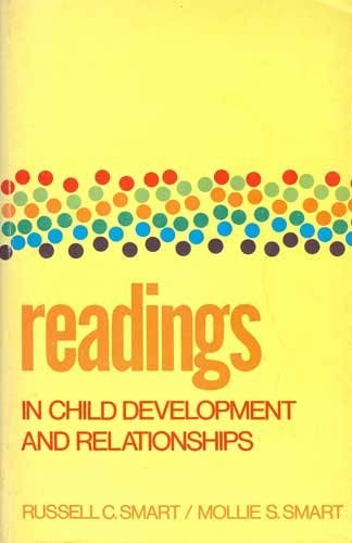 9780024120908: Readings in Child Development and Relationships