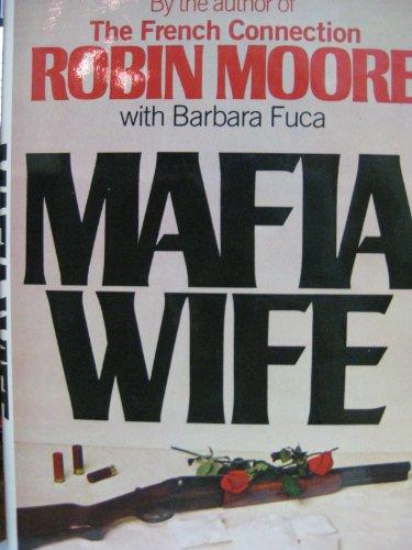 9780025861800: Mafia Wife